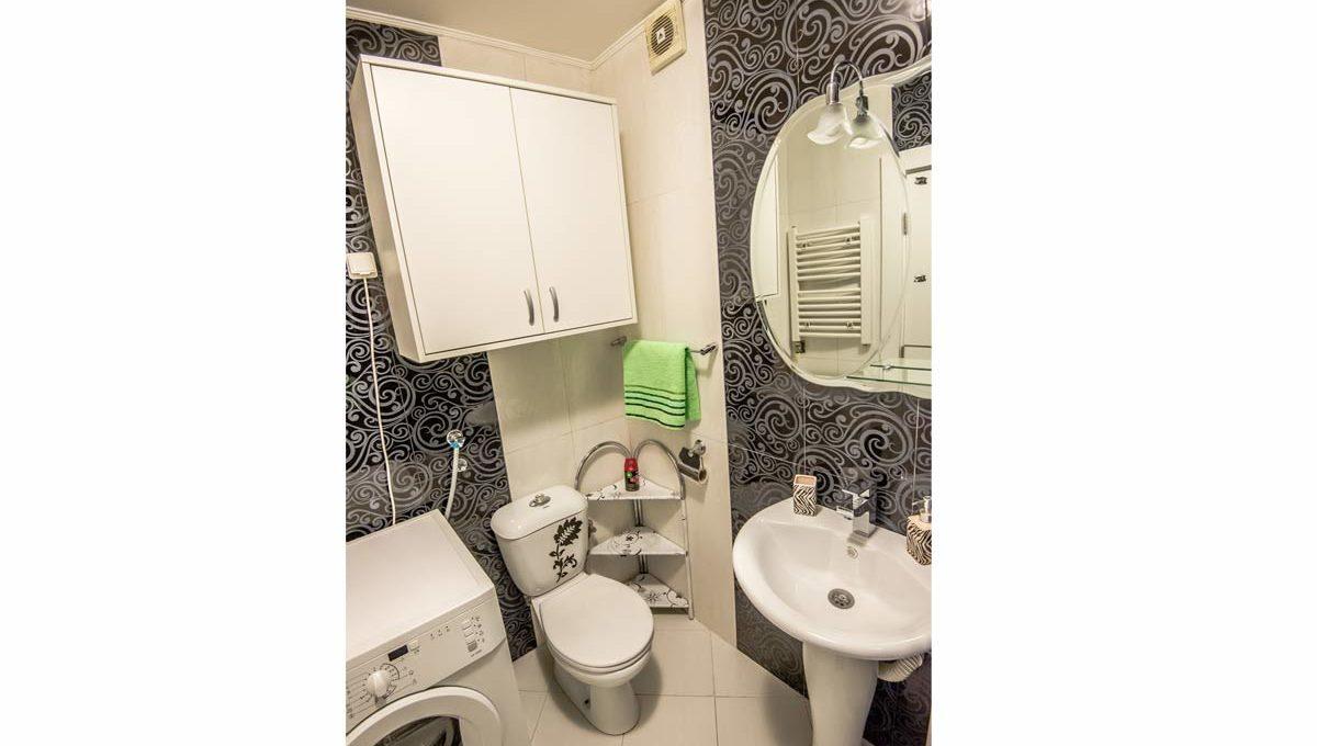 Apartment Negro bathroom