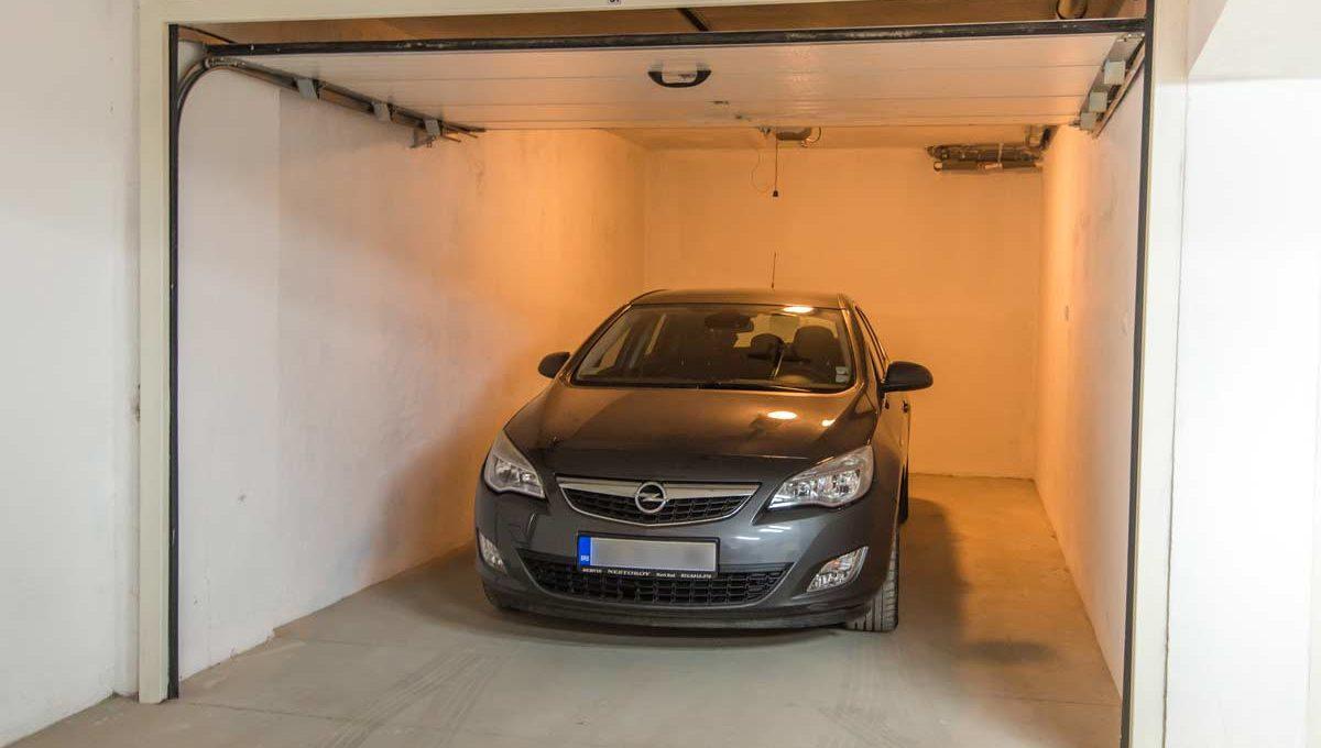 Apartment Simpatico garage