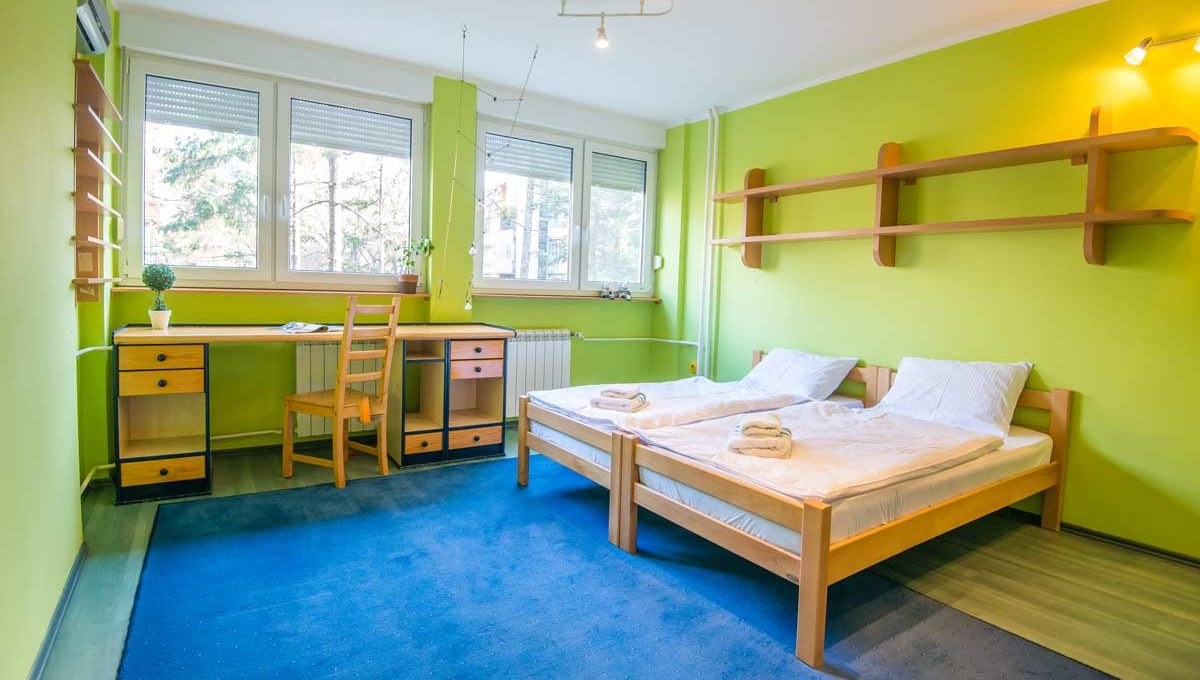 Apartman Strand zelena dvokrevetna soba