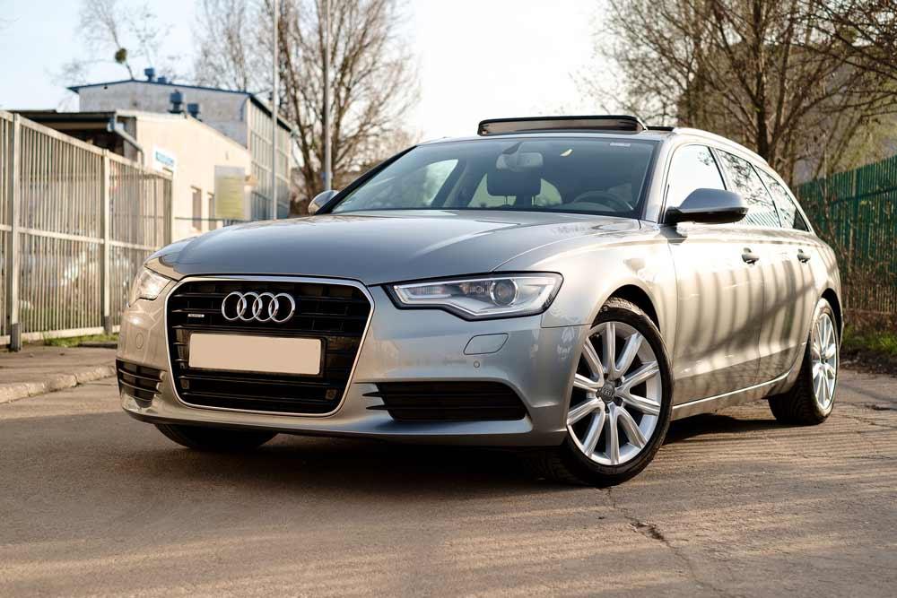 Gray Audi car