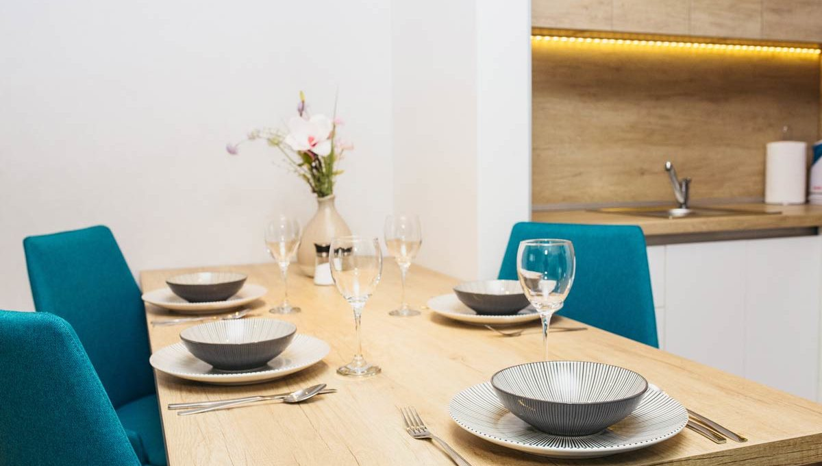 Apartment A17 set dining table